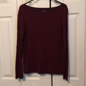 Large long sleeve maroon Gap tee
